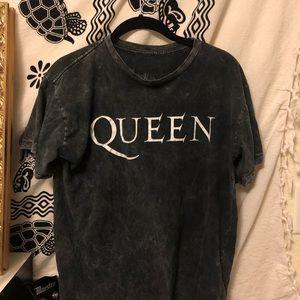 Distressed Queen Tee